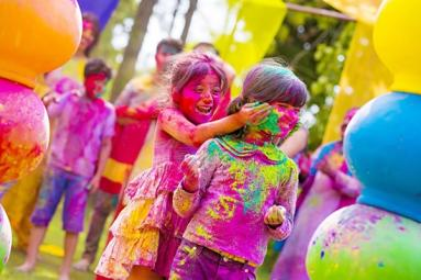 Lovely festival of colours indicate colourful life!